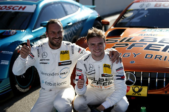Володар поулу Лукас Ауер, Mercedes-AMG Team HWA і Гері Паффетт, Mercedes-AMG Team HWA