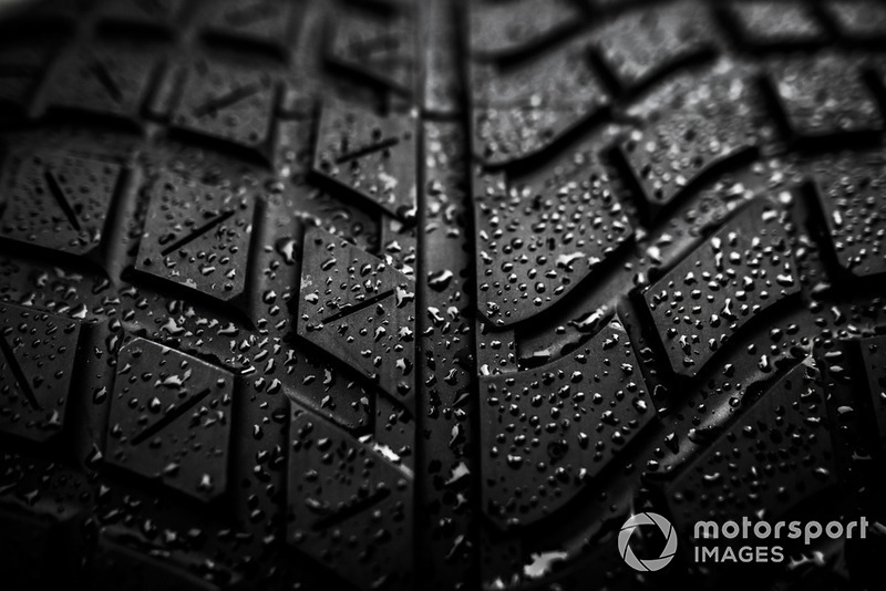 Wet tyre detail