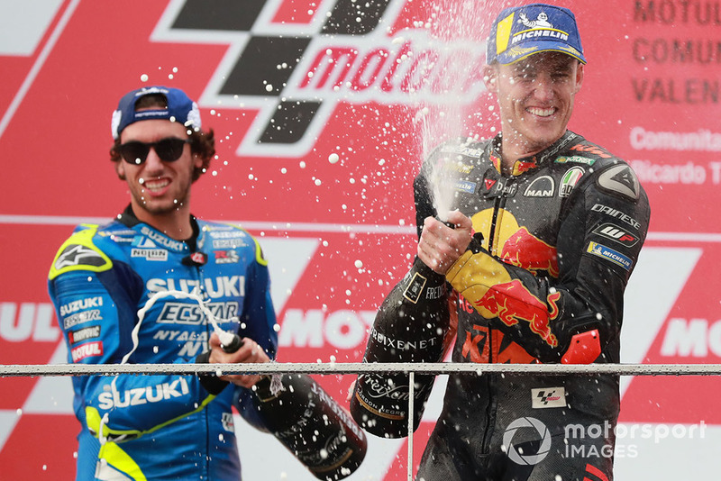 Подіум: друге місце Алекс Рінс, Team Suzuki MotoGP, третє місце Пол Еспаргаро, Red Bull KTM Factory Racing