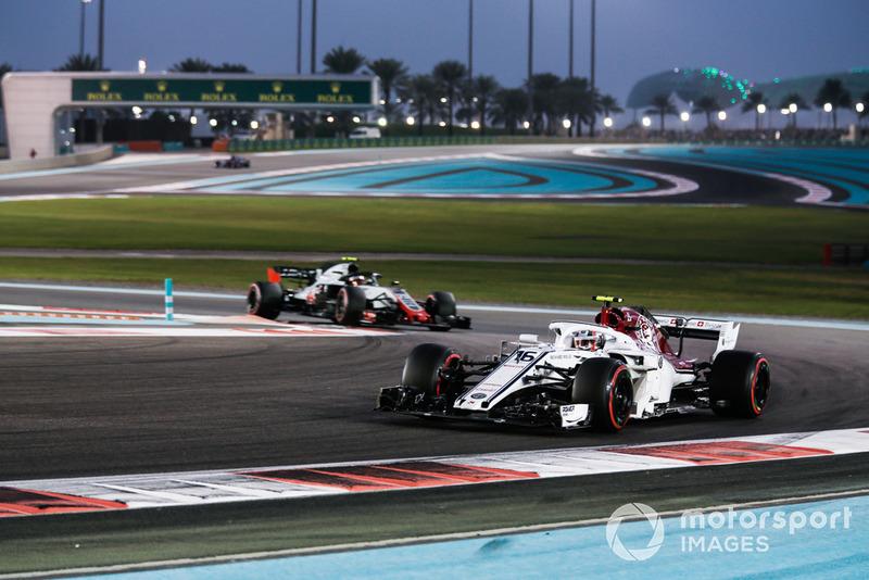 Шарль Леклер, Sauber C37, Кевін Магнуссен, Haas F1 Team VF-18