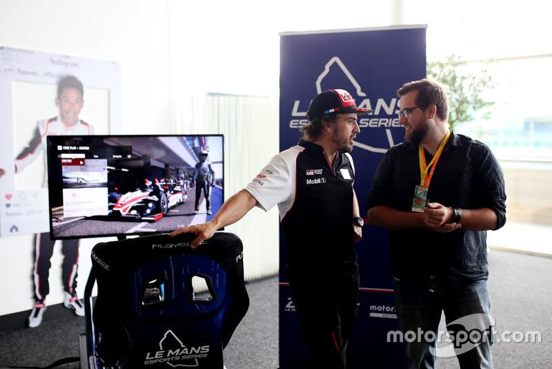 Presentación Le Mans eSports con Fernando Alonso