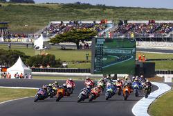 Maverick Viñales, Yamaha Factory Racing, Pol Espargaro, Red Bull KTM Factory Racing, Miller Australian MotoGP 2017