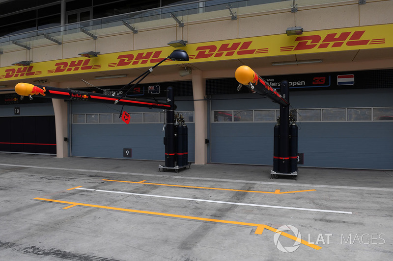 Zone d'arrêt au stand Red Bull Racing