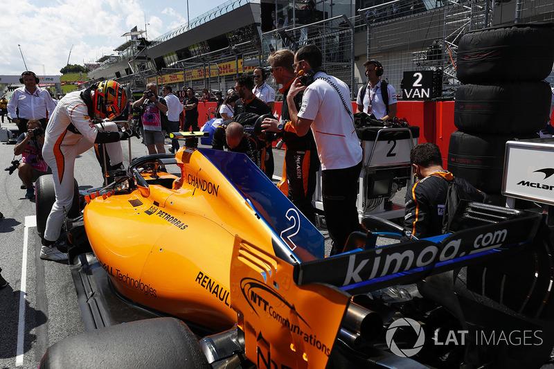 17 місце — Стоффель Вандорн (Бельгія, McLaren) — коефіцієнт 2001,00