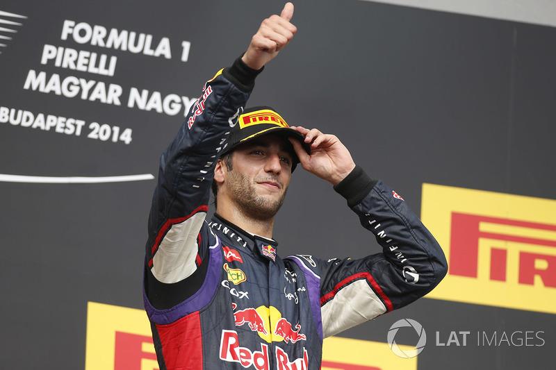 O Safety Car esteve presente por duas vezes e o australiano superou Fernando Alonso para a vitória faltando apenas duas voltas para o fim.
