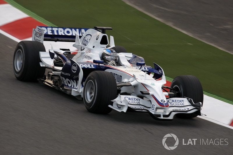 "<img src=""https://cdn-3.motorsport.com/static/img/cfp/0/0/0/0/83/s3/germany-4.jpg"" alt="""" width=""20"" height=""12"" />Ник Хайдфельд, BMW Sauber (60 очков, четыре подиума)"