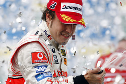 Podio: tercer lugar Fernando Alonso, McLaren MP4-22