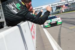 Sieger #29 Montaplast by Land-Motorsport, Audi R8 LMS: Connor De Phillippi, Christopher Mies
