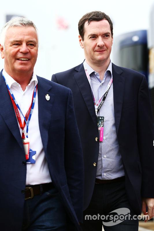 Derek Warwick, George Osborne parlementaire britannique, Chancelier de l'Échiquier