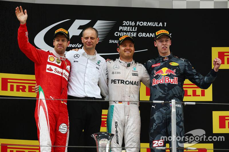 Podium: Sieger Nico Rosberg, Mercedes AMG F1 Team, Platz zwei Sebastian Vettel, Ferrari, Platz drei Daniil Kvyat, Red Bull Racing