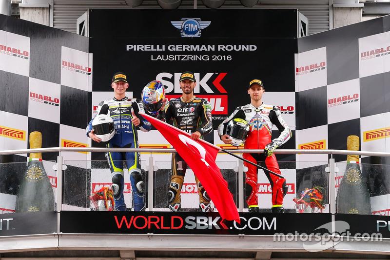 Podium SSP: Race winner Kenan Sofuoglu, Puccetti Racing Kawasaki