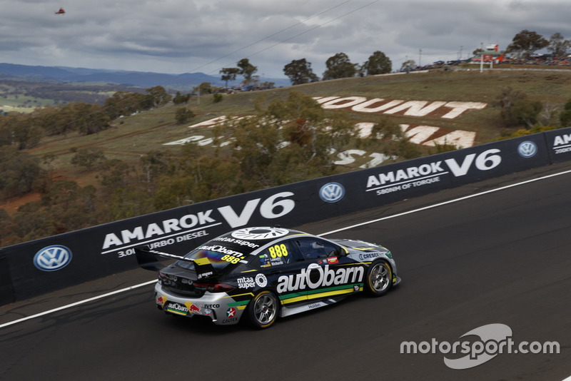 Craig Lowndes, Steve Richards, Holden Commodore ZB