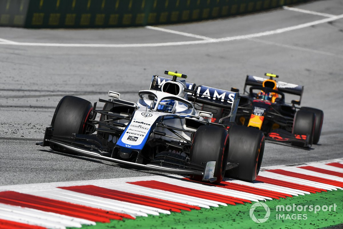 Nicholas Latifi, Williams FW43, devant Alex Albon, Red Bull Racing RB16