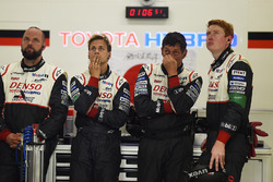Toyota Gazoo Racing team members react to the #7 retirement