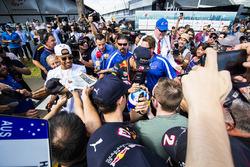 Lewis Hamilton, Mercedes AMG, Daniel Ricciardo, Red Bull Racing
