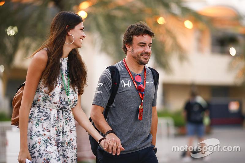 Фернандо Алонсо, McLaren, з подружкою Ліндою Морселлі