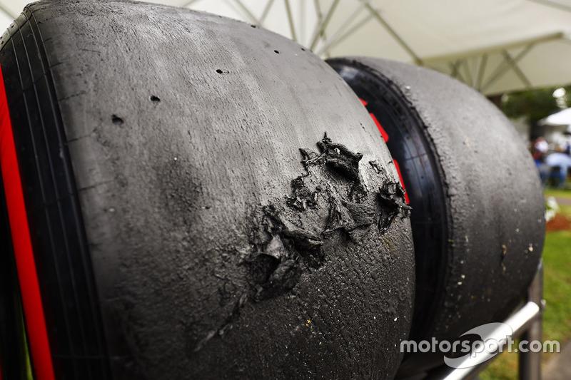 Daños en la superficie de un neumático