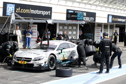 Boxenstopp: Paul di Resta, Mercedes-AMG Team HWA, Mercedes-AMG C63 DTM