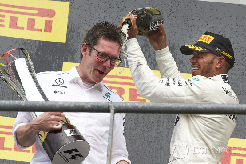 Podium: Race winner Lewis Hamilton, Mercedes AMG F1, Andrew Shovlin, Chief Race Engineer, Mercedes AMG F1