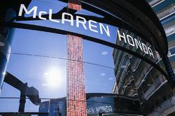 L'écurie McLaren organise une soirée américaine pour soutenir Fernando Alonso à l'Indy 500