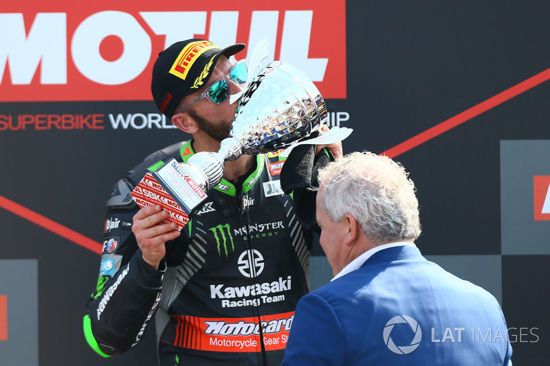 Podium: ganador, Tom Sykes, Kawasaki Racing