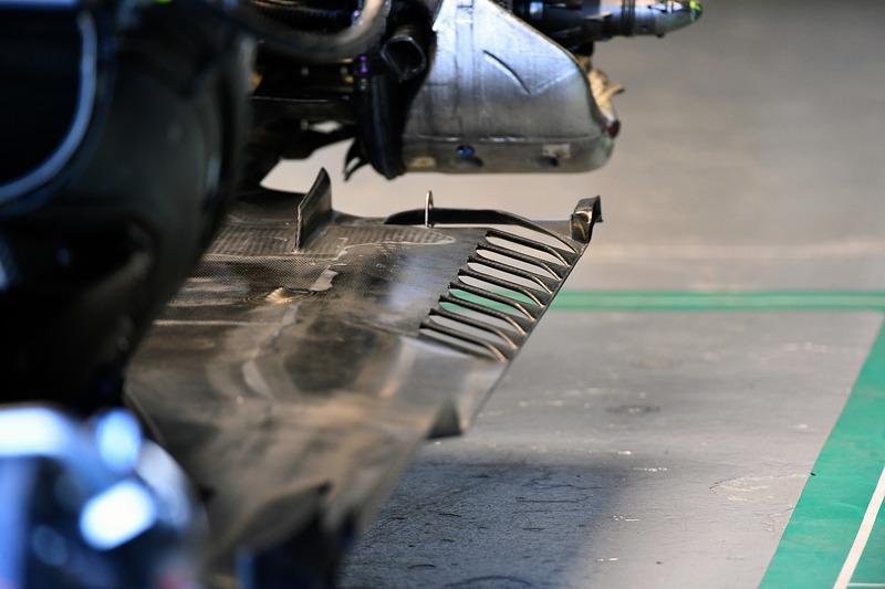 Днище Mercedes F1 W09