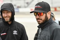 Martin Truex Jr., Furniture Row Racing Toyota, mit Crewchief Cole Pearn