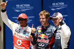 Top 3 de clasificación Sebastian Vettel, Red Bull Racing, Lewis Hamilton, McLaren, y Pastor Maldonad