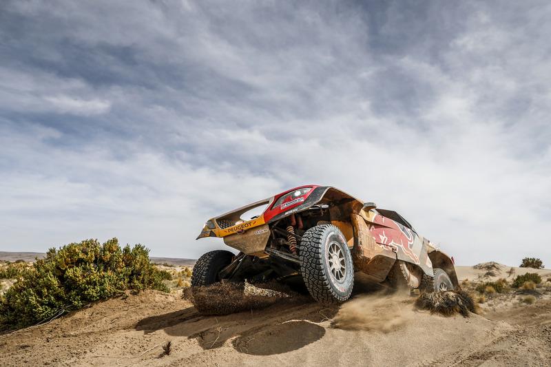 #300 Peugeot Sport, Peugeot 3008 DKR: Стефан Петрансель, Жан-Поль Коттре