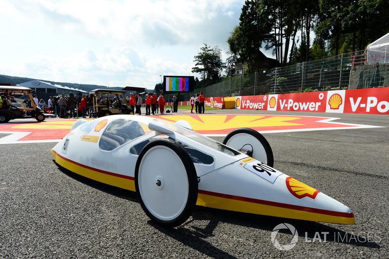 Fernando Alonso, Ferrari y Kimi Raikkonen, Ferrari en un evento Shell eco car