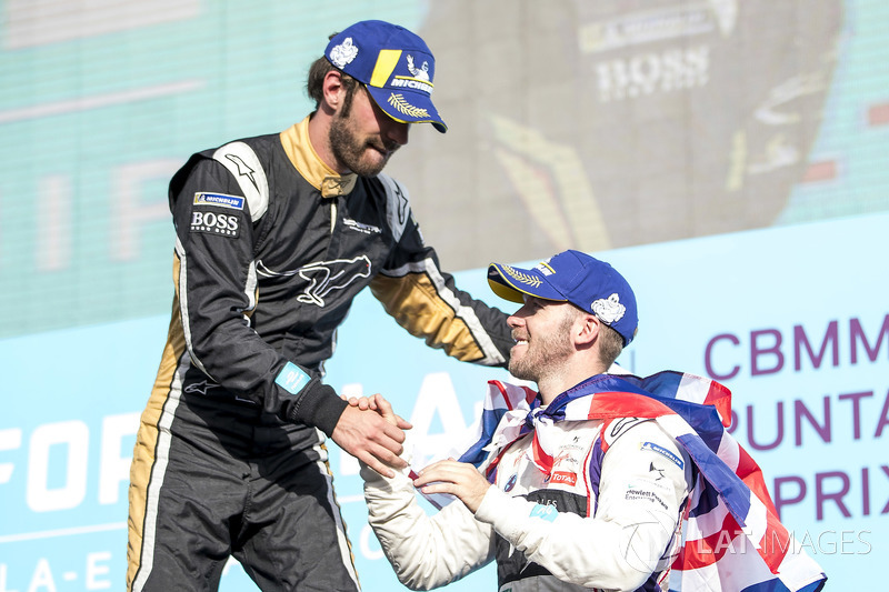 Sam Bird, DS Virgin Racing, congratulates Jean-Eric Vergne, Techeetah, on the podium