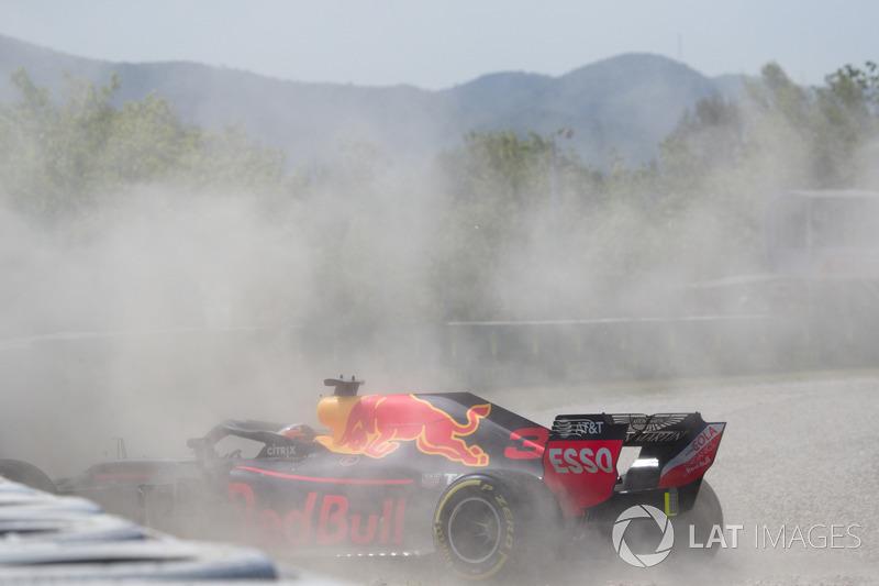 L'incidente di Daniel Ricciardo, Red Bull Racing RB14 nelle FP1