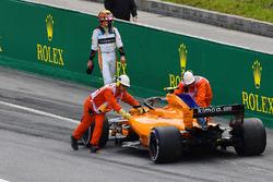 Race retiree Stoffel Vandoorne, McLaren MCL33