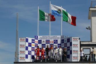 Podio gara 1, (Baruch-Green (Audi Sport Italia,Audi R8 LMS-GT3 #7), Rugolo-Gai (Scuderia Baldini 27,Ferrari 488-GT3 #27), Comandini-Spengler (BMW Padova Team,BMW M5-GT3 #15)