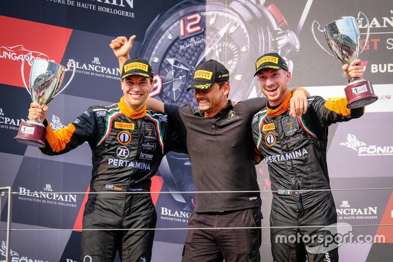 Podio: #63 GRT Grasser Racing Team Lamborghini Huracan GT3: Mirko Bortolotti, Christian Engelhart