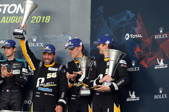 Podium GTE Am: troisième place #56 Team Project 1 Porsche 911 RSR: Jorg Bergmeister, Patrick Lindsey, Egidio Perfetti