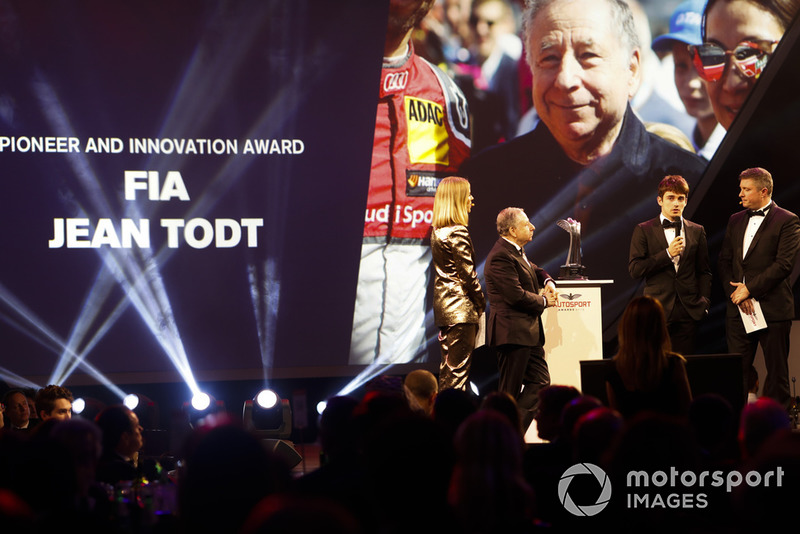 Premio Mahindra al Espíritu Pionero y la Innovación: FIA y Jean Todt (por el Halo)