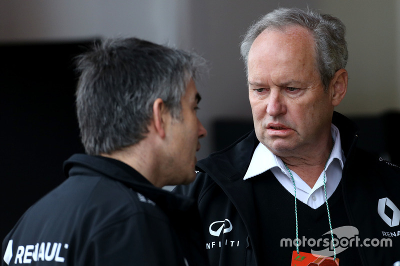 Jerome Stoll, Renault Sport F1 President and Nick Chester, Technical Director, Renault Sport F1 Team