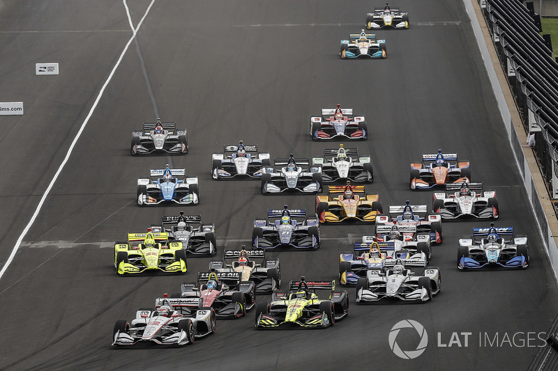 4. La multitudinaria salida del GP de Indianápolis de IndyCar