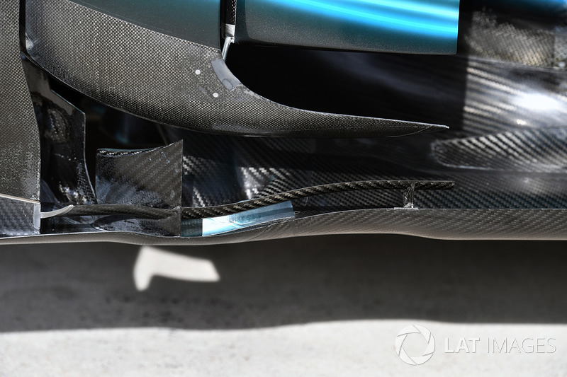 Mercedes-Benz F1 W08  aero detail