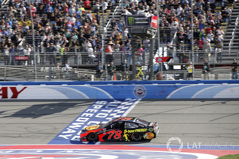 Martin Truex Jr., Furniture Row Racing, Toyota Camry Bass Pro Shops/5-hour ENERGY takes the checkered flag