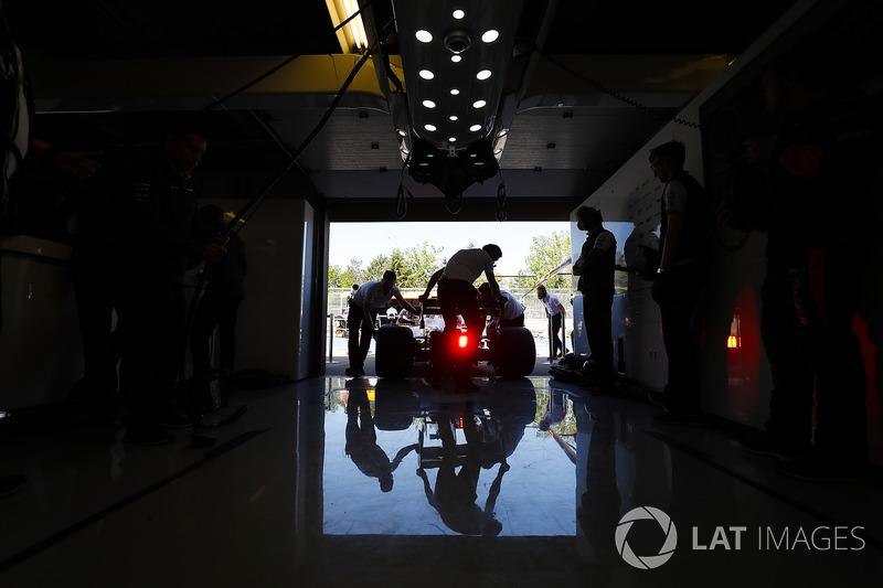 Инженеры McLaren