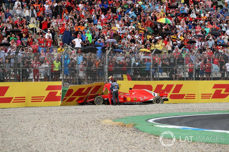 Detik-detik kecelakaan Sebastian Vettel, Ferrari SF71H