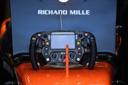 McLaren MCL32 steering wheel