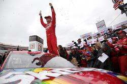 Il vincitore Kyle Busch, Joe Gibbs Racing