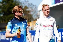 Felix Rosenqvist, Mahindra Racing, hablando con Nick Heidfeld, Mahindra Racing