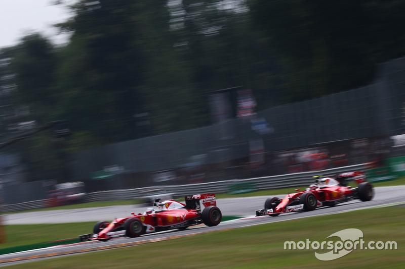 Sebastian Vettel, Ferrari SF16-H; Kimi Raikkonen, Ferrari SF16-H