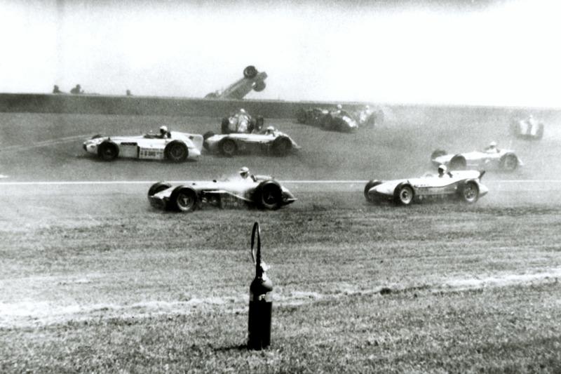 1958: De massacrash