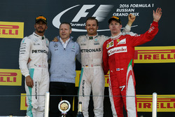 Podium: winner Nico Rosberg, Mercedes AMG F1 Team, second place Lewis Hamilton, Mercedes AMG F1 Team