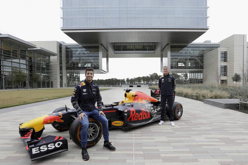 Daniel Ricciardo y David Coulthard, Red Bull RB7